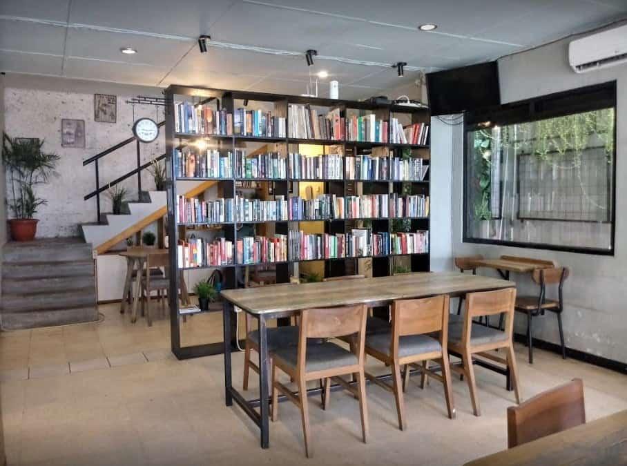 Blanco coffee and Books