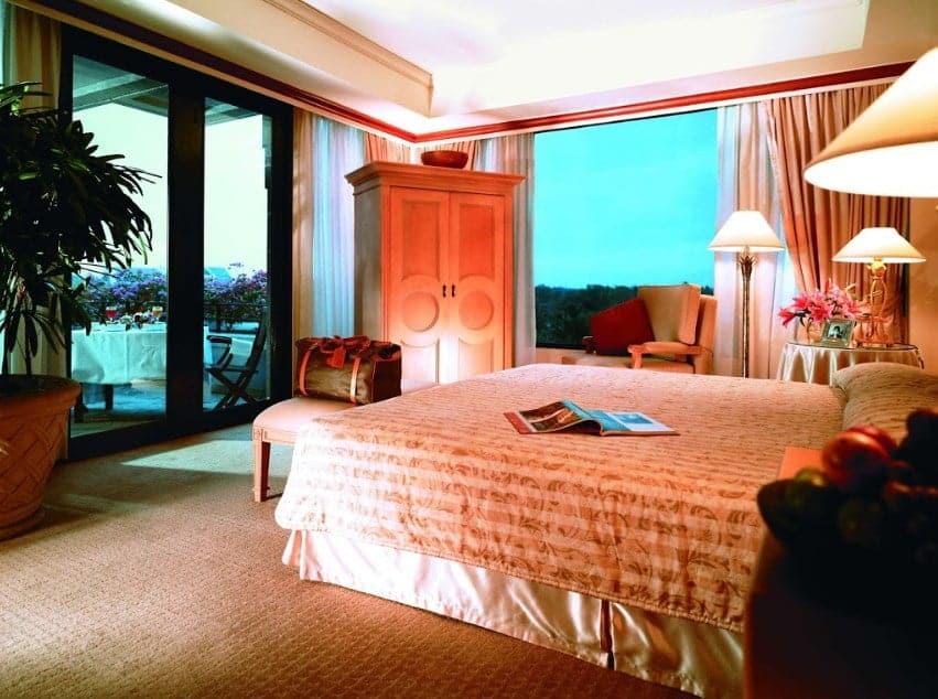 10 Rekomendasi Hotel Bintang Lima Terbaik Di Jogja, Mewah Dan Berkualitas