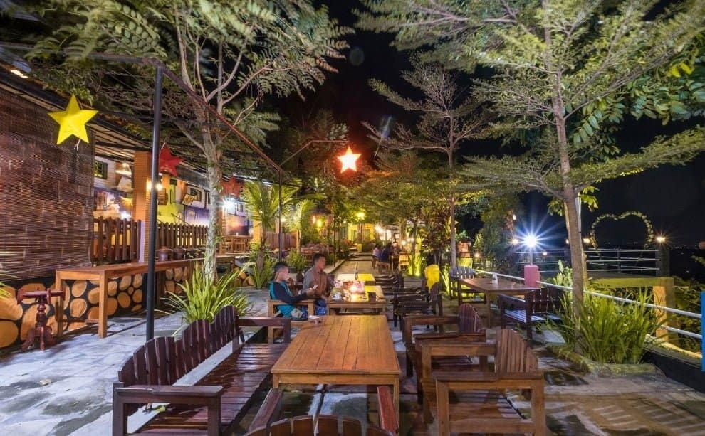 The Manglung Cafe