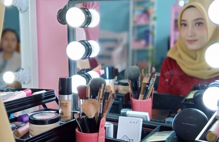 Rekomendasi Tempat Kursus Make up Artis (MUA), Pengantin & Wisuda di Jogja Murah dan Bersertifikat